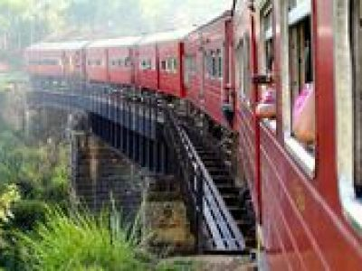 Full-Day Private Rail Tour from Colombo to Kandy