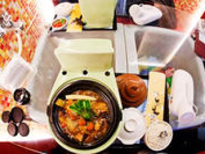 Ximending Walking Tour including Modern Toilet Restaurant Dinning Experience